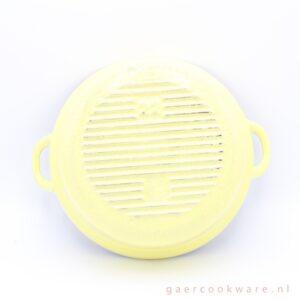le creuset gietijzeren pan faitout geel cast iron yellow